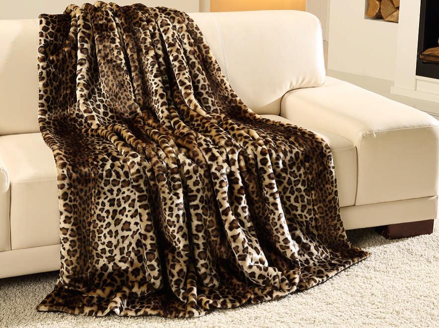 plaid pels. Black Bedroom Furniture Sets. Home Design Ideas